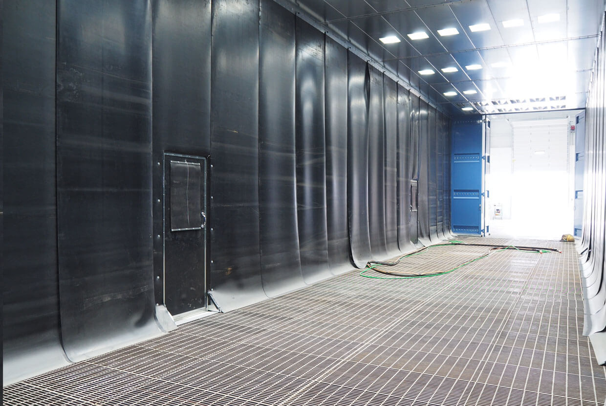Airblast AFC Blast room with abrasive recovery
