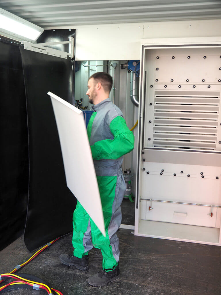 Plug-in dust arrester